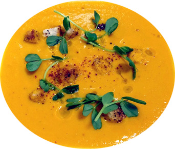 carrot-ginger-curry-soup-cespelette-routons